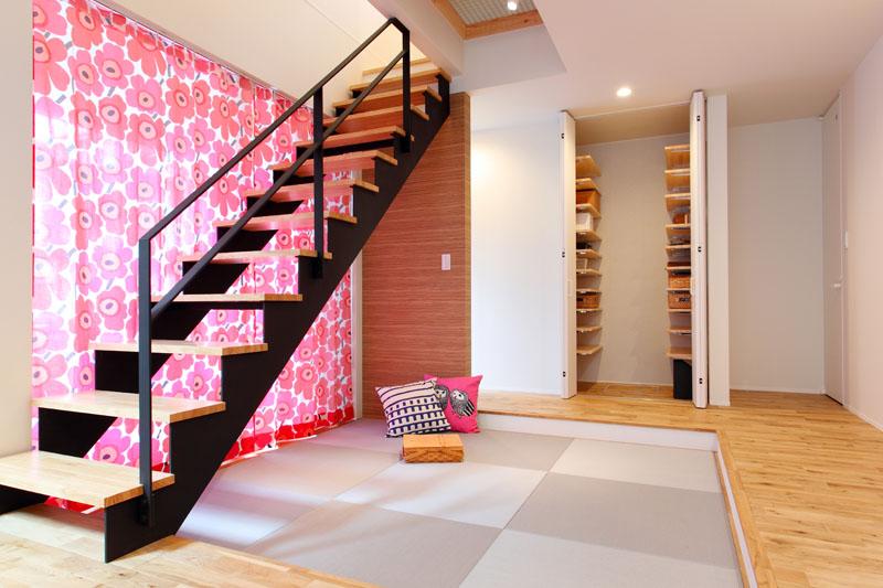 トレッティオ 北欧デザイン お洒落なアイアン階段