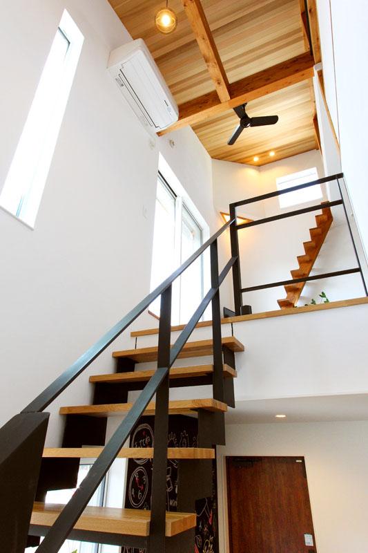 注文住宅 モデルルーム  アイアン 階段