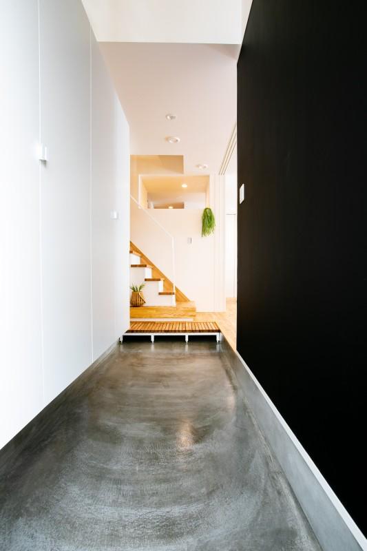 堺市北区 新築 注文住宅 施工例 玄関 土間 収納 黒板
