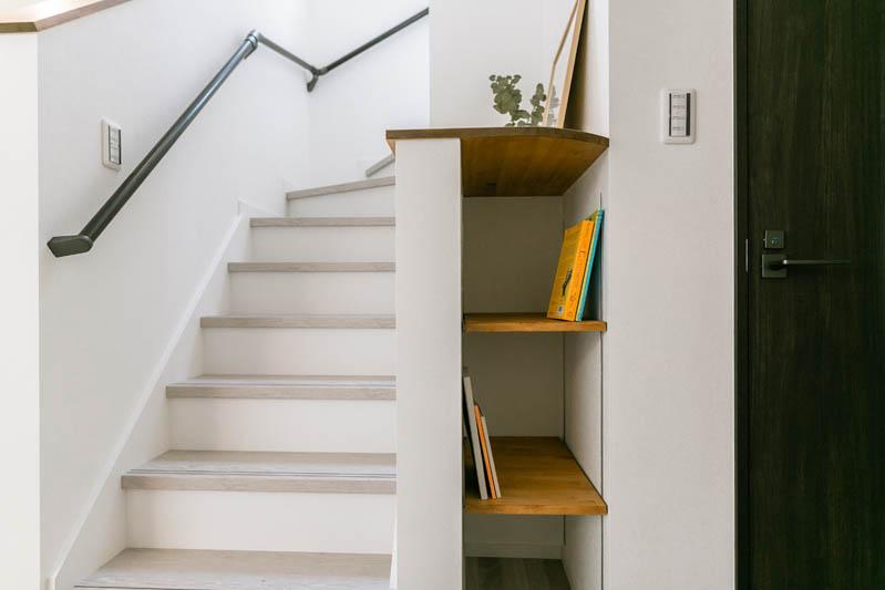 新築注文住宅 堺市西区 階段横 造作棚