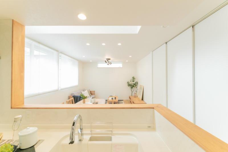 新築注文住宅 堺市北区 キッチンから見えるダイニング
