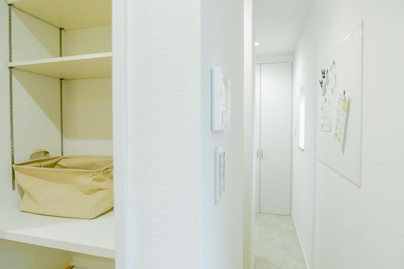 新築注文住宅 キッチンから洗面所への動線 堺市北区南花田