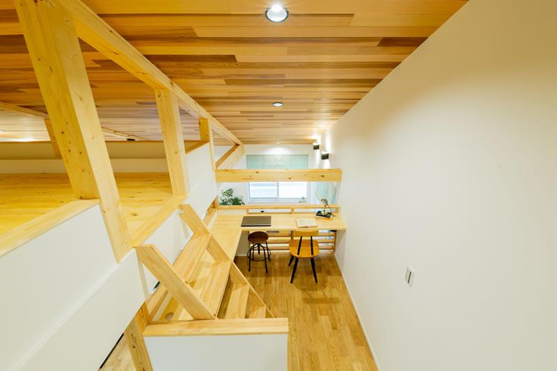 新築注文住宅 中2階のスタディコーナー 堺市北区南花田