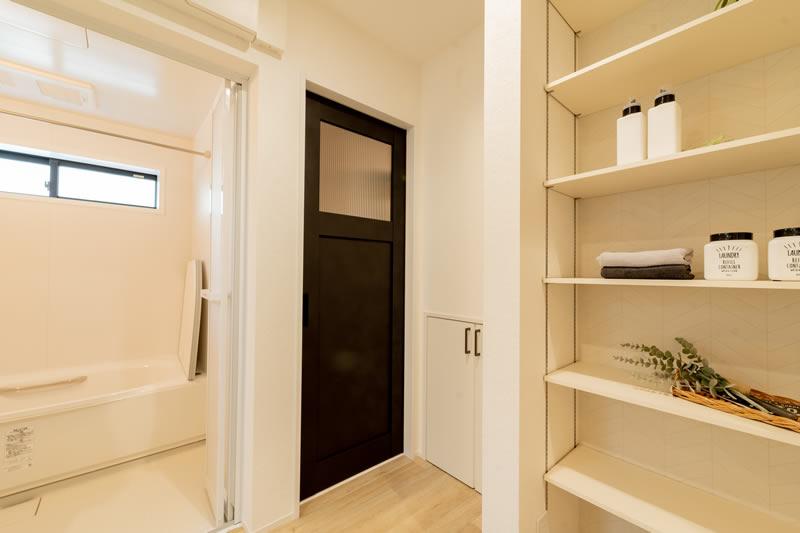 注文住宅 洗面の扉