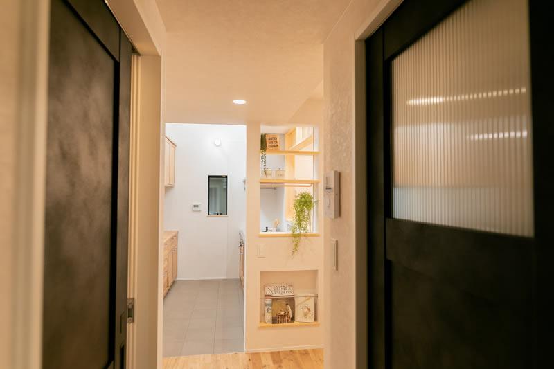 注文住宅 洗面とトイレの扉