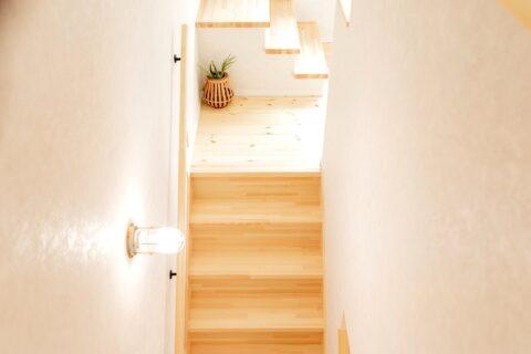 堺市北区大豆塚町  新築注文住宅 箱型階段